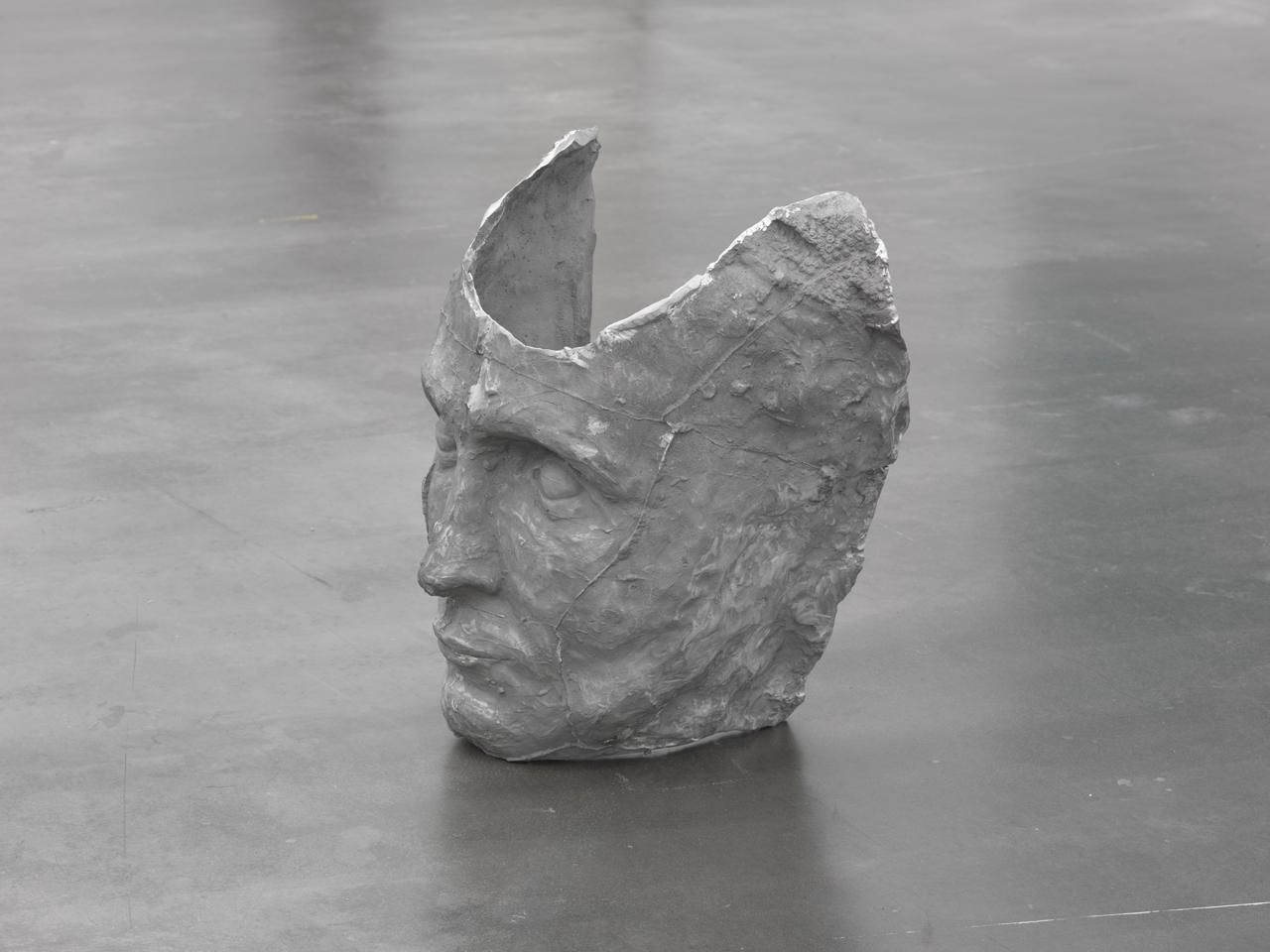 Crome 2015 aluminium cast 62 x 60 x 38 cm courtesy Berthold Pott, cologne